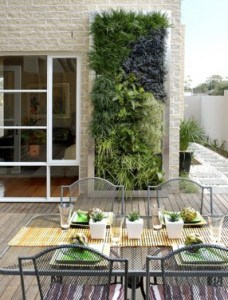 de verticale tuin hoe maak je deze zelf en wat is het onderhoud tuin en balkon. Black Bedroom Furniture Sets. Home Design Ideas