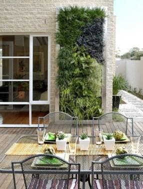 verticale tuin hoe maak je deze zelf en wat is het onderhoud. Black Bedroom Furniture Sets. Home Design Ideas