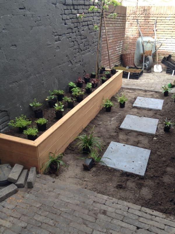 Stadstuin aanleggen van grindbak naar stadsoase deel 3 tuin en balkon - Ideeen buitentuin ...