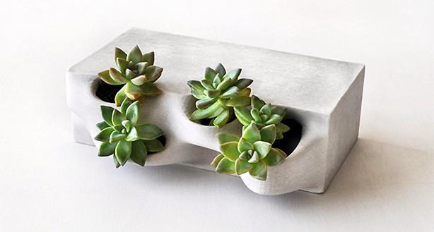 3d-baksteen-met-plant
