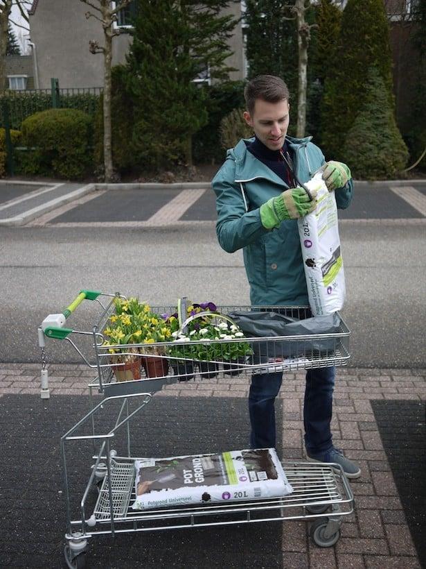 dutch-bicycle-garden-2
